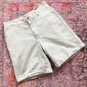 Vineyard Vines | Green Seersucker Club Shorts 28